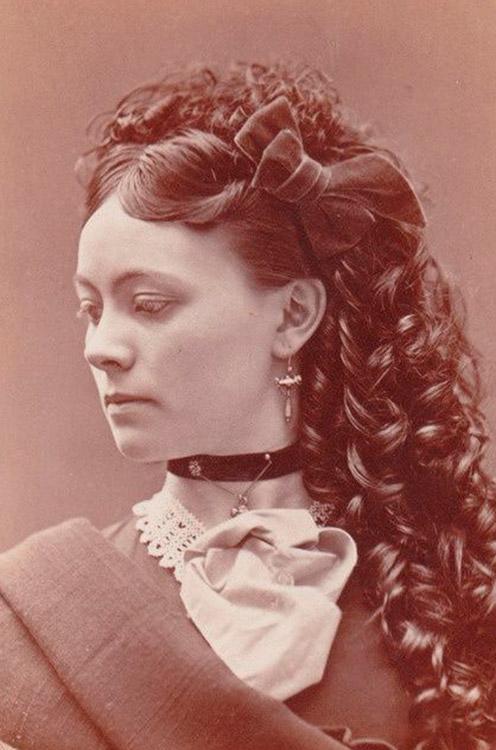 Formas modernas de peinados del siglo 19 Fotos de cortes de pelo estilo - Peinados del siglo XIX (33 fotos): cómo hacer que los ...