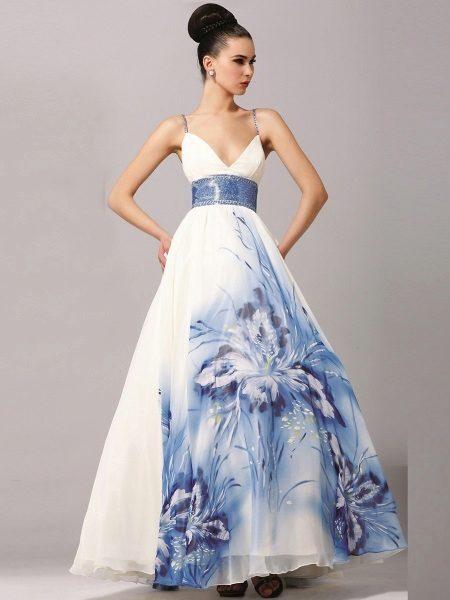 Сватбена рокля с голям модел за бременни жени