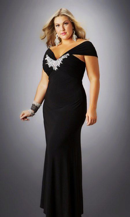Zwarte avondjurk voor vrouwen met overgewicht