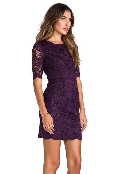 Krajkové fialové šaty