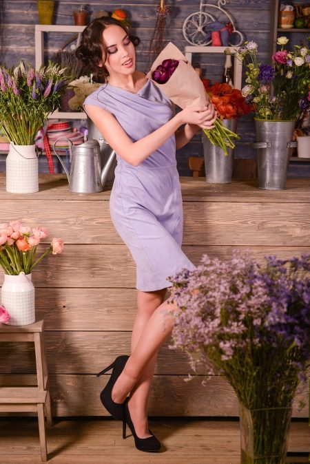 Pakaian malam lavender