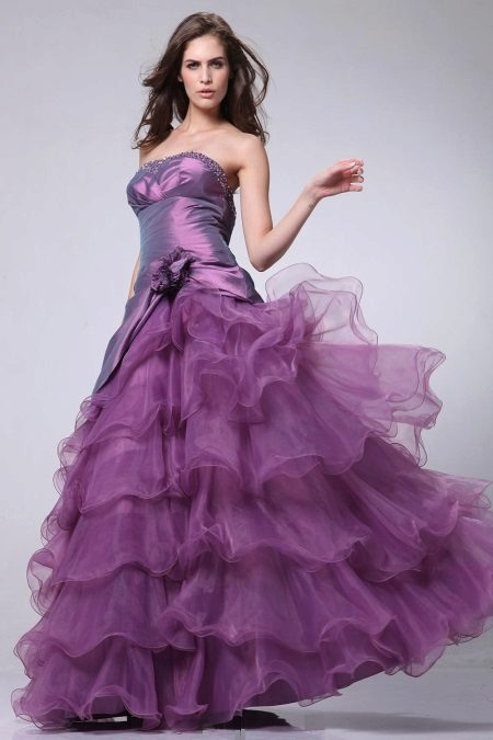 Lilac evening dress in the style of a princess