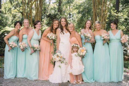 persikka- ja mintumekot bridesmaidille