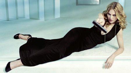 Vestido preto para mulheres de 50 anos - Madonna