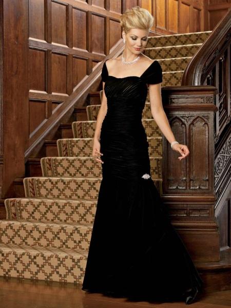 Vestido de noite para mulheres de 50 anos com decote aberto