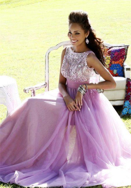 Světle fialové večerní šaty