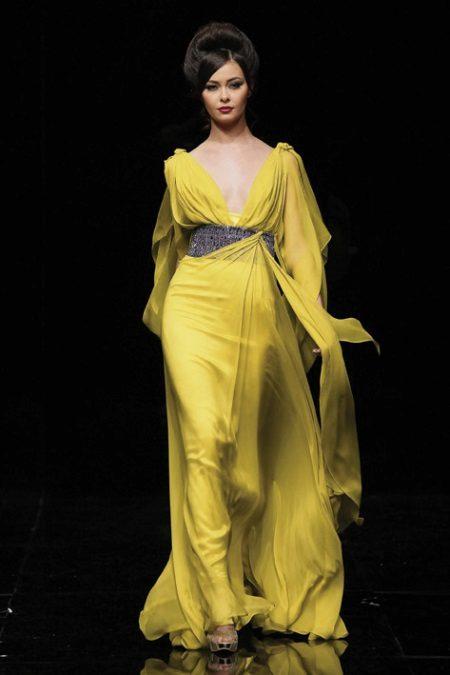 Jurk avond geel in de Griekse stijl