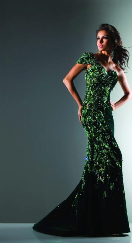 Evening green dress with rhinestones