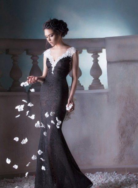 Zwarte jurk met witte kant