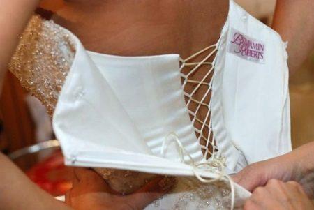 Esküvői ruha rejtett fűzővel