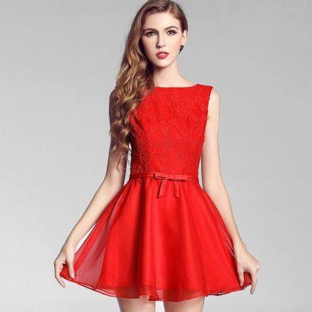 Caso curto vestido de noite