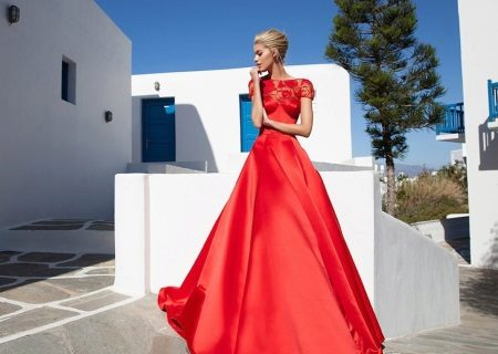 Red evening dress na may top lace
