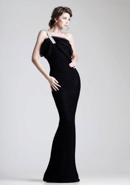 Vestido de noite preto não é caro