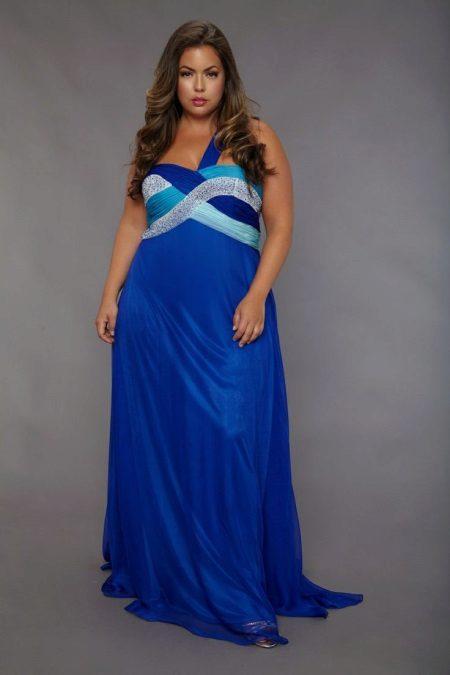 Zomerse blauwe jurk voor een volledige bruiloft