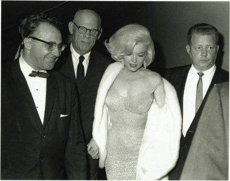 Iltapuku Marilyn Monroe kallis