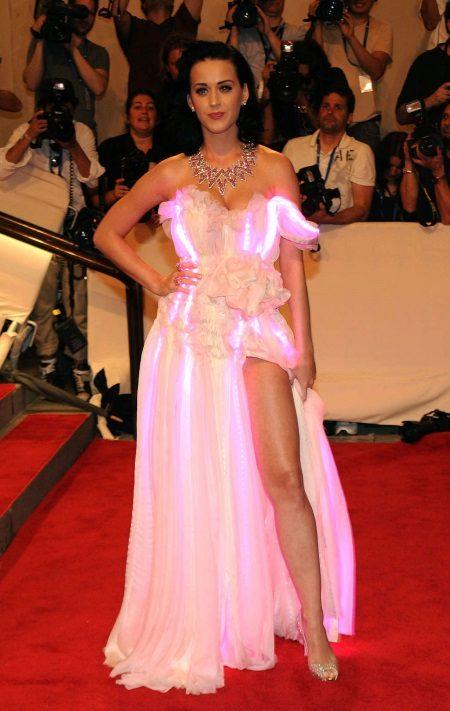 Vestit de nit retroiluminat de Katy Perry