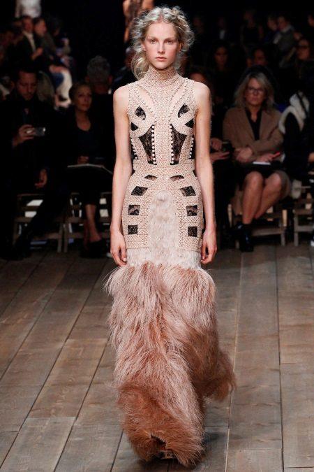 Vestido de noite de Alexander McQueen