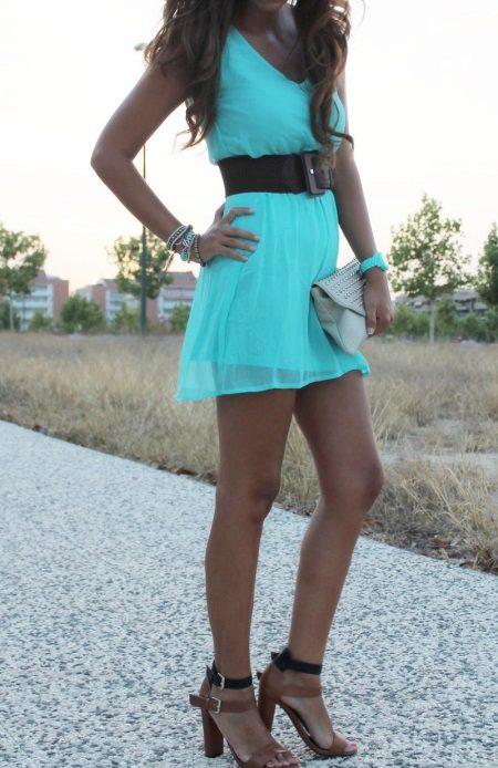 Vestido ciano turquesa brilhante