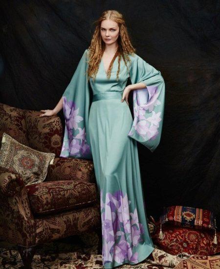 Pitkähihainen kimono-iltapuku