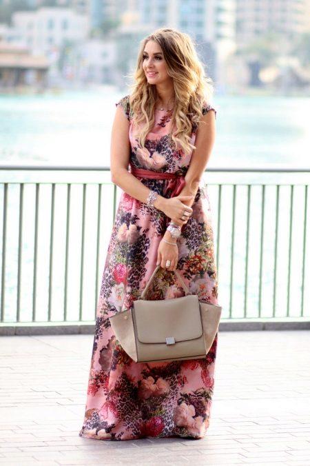 Leopar elbise ile çiçek baskı