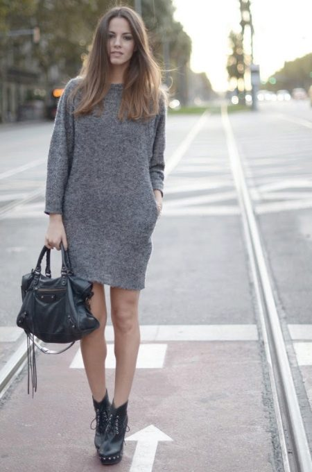 Grey dress-tube