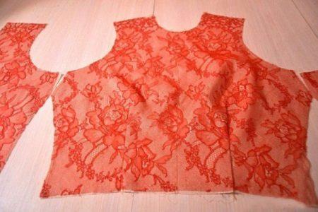 A haute couture estélyi ruha csipke elülső oldala