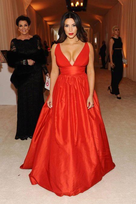 Esti ruha Kim Kardashian