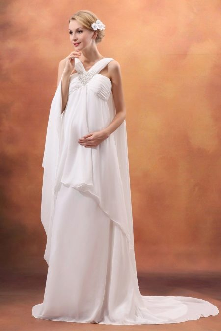 Сватбена рокля за майчинство