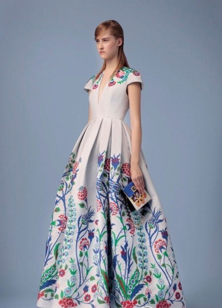 Magnificent dress with a print