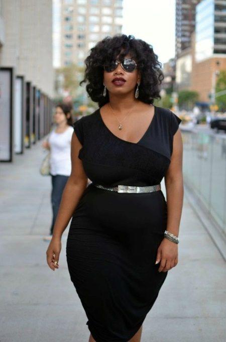 Vesteix estils per a dones obeses majors de 40 anys