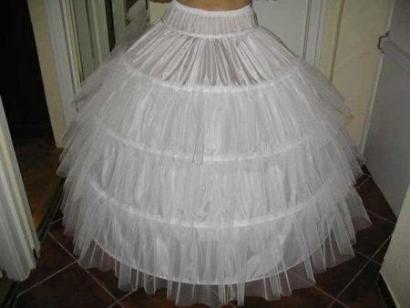 petticoat a gyűrűkön