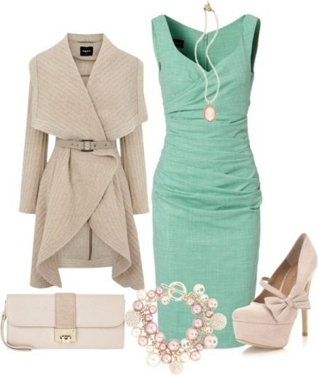 Mint dress with beige accessories