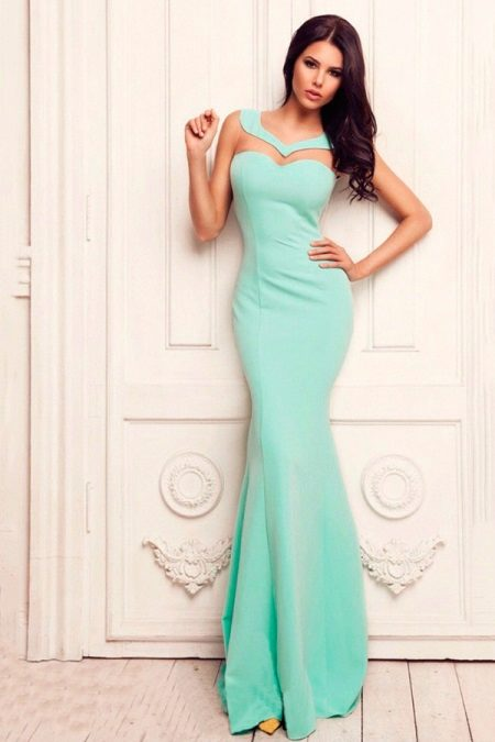 Mint-colored dress to the floor