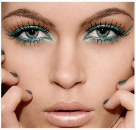 emerald eyeliner makeup
