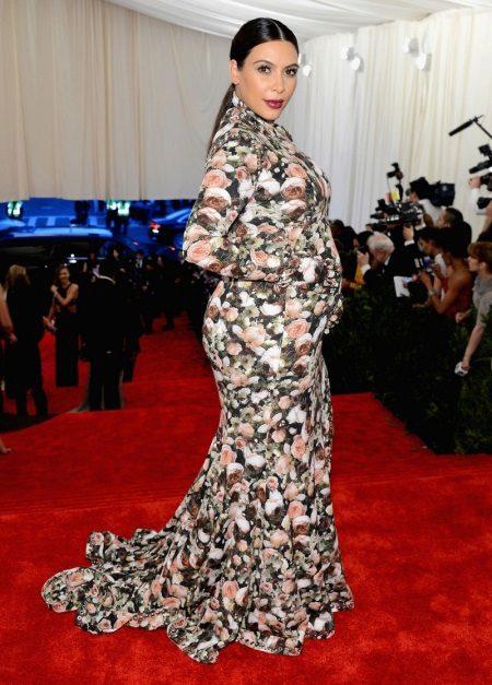 Vloer-lengte gebreid jurk-jaar met een bloemenprint met een lange mouw voor zwangere vrouwen