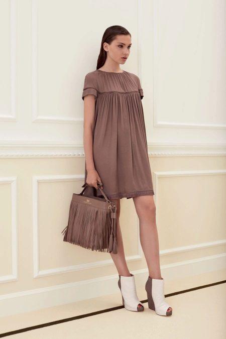 Lös brun klänning