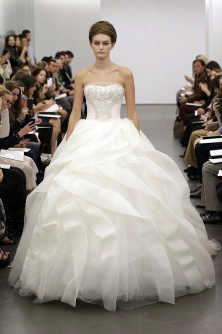 Bröllop storslagen klänning