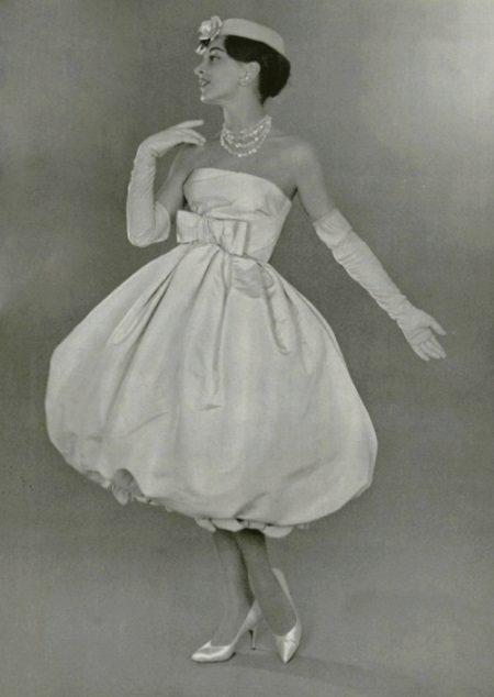 Viime vuosisadan mekko-tyylinen ilmapallo