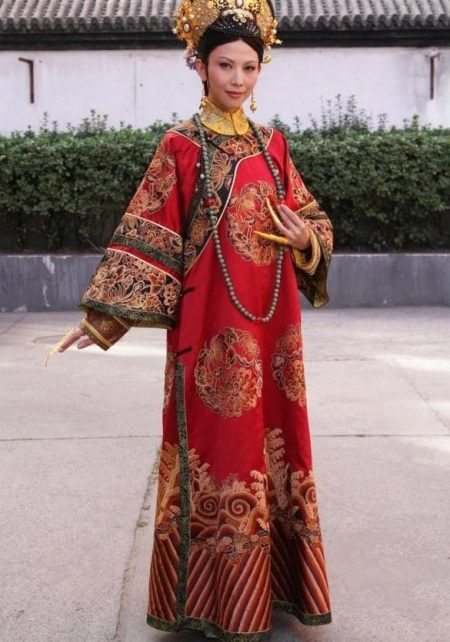 שמלה מסורתית צ'יפאו (שמלת chongsam)