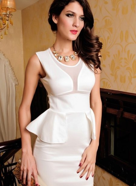 White dress with basky sleeveless