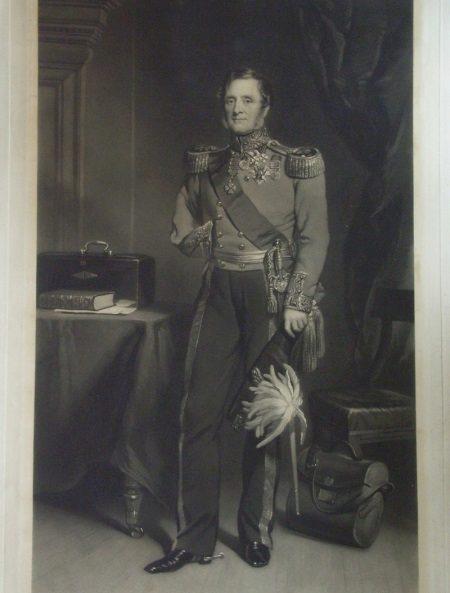 Lord Raglan - uniform met een raglanmouwen
