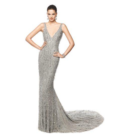 Brilliant grey dress na may tren