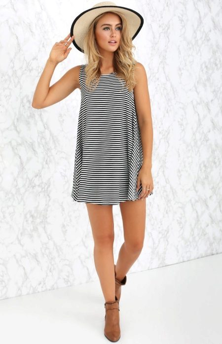 A-line striped dress with hat