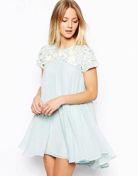 Vestido trapézio azul pálido