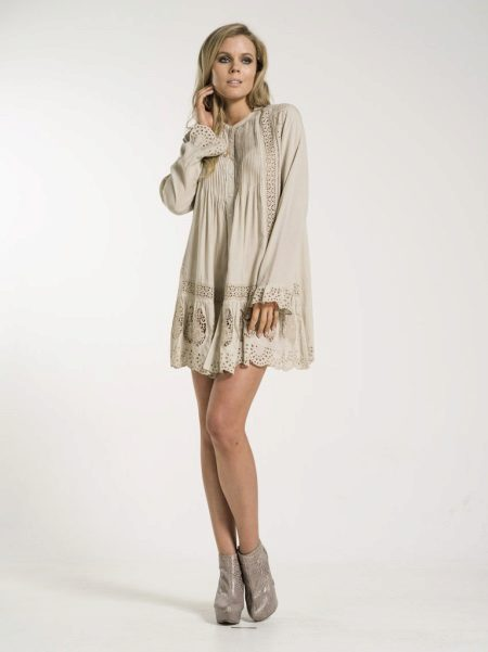 Tunic for girls of short stature
