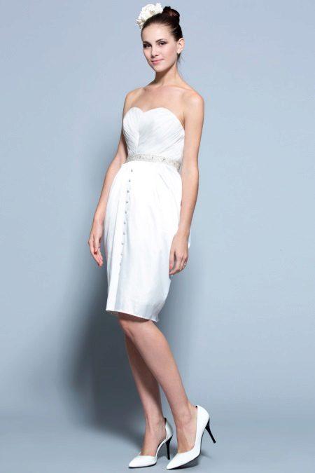 Fehér tulipán stílus esküvői ruha