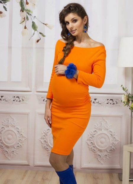 Оранжева рокля за майчинство