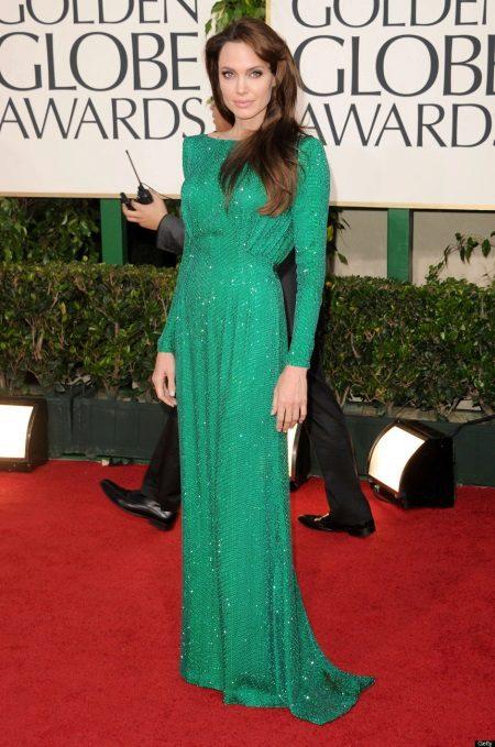 Angelina Jolie Pitkähihainen mekko
