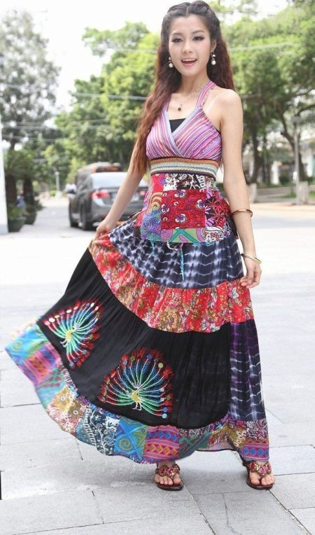 Summer dress with high waist in ethnic style