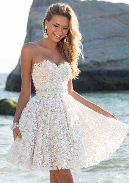 Beautiful flared dress with a high waist